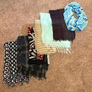 Accessories - Lot of 7 Scarves